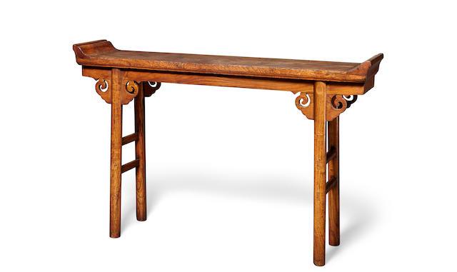 A yumu small altar table  18th/19th century