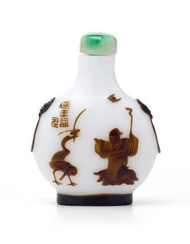 A BROWN OVERLAY WHITE GLASS SNUFF BOTTLE Yangzhou School, 1840-1900