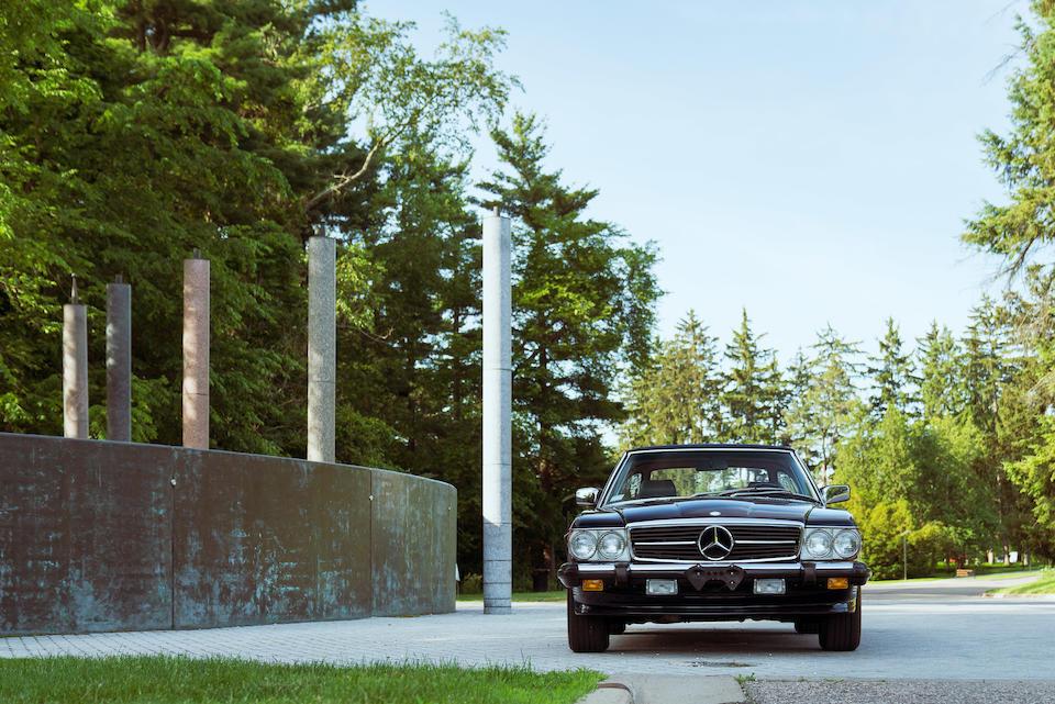 <B>1988 Mercedes-Benz 560SL</B><br />VIN. WDBBA48D3JA087276