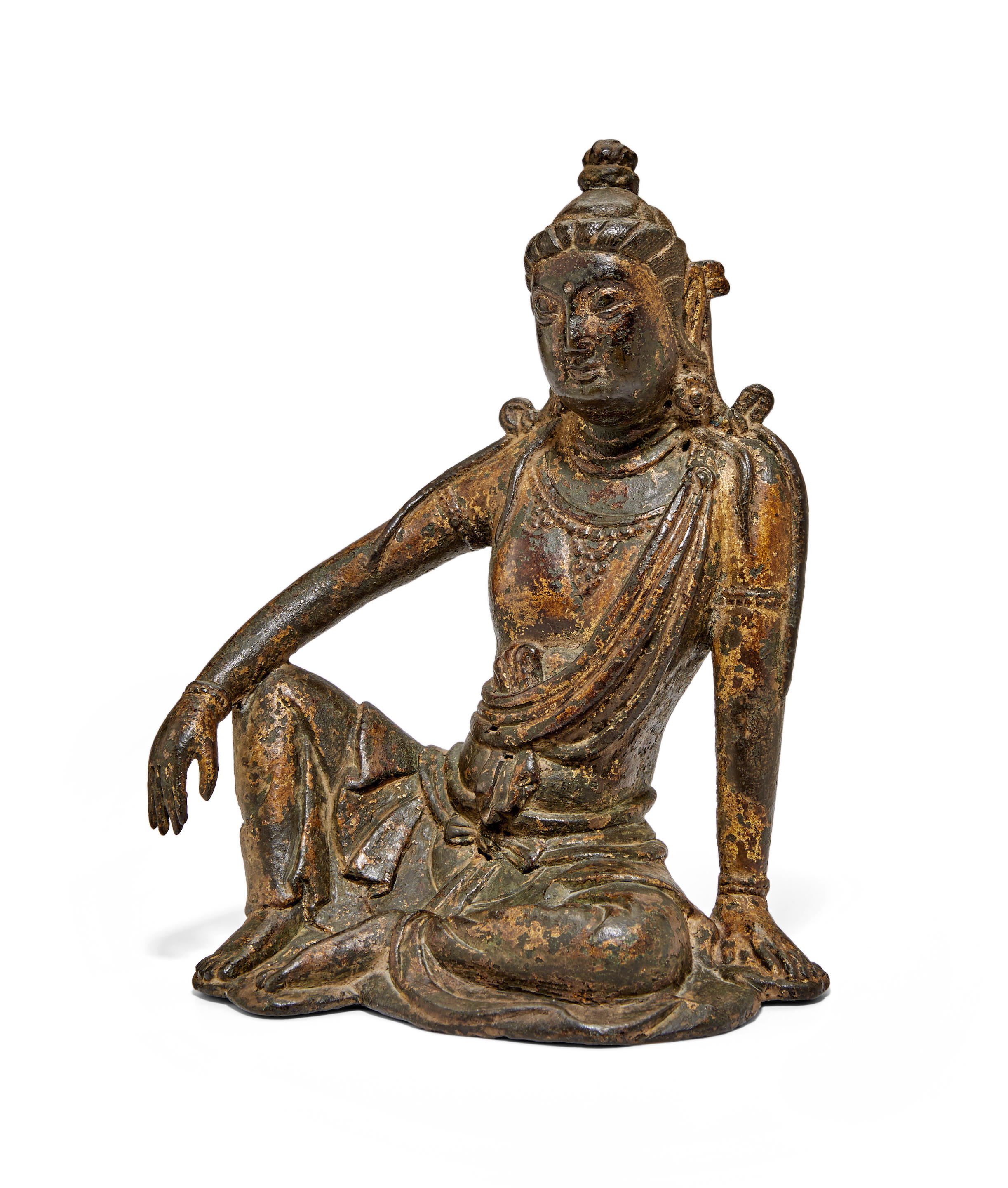 A FINE AND RARE GILT-LACQUERED BRONZE FIGURE OF GUANYIN