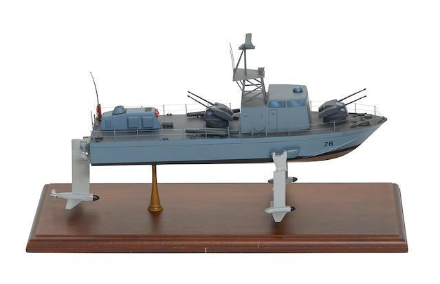 FLAGSTAFF II HYDROFOIL MODULAR CONTRACTOR'S MODEL.