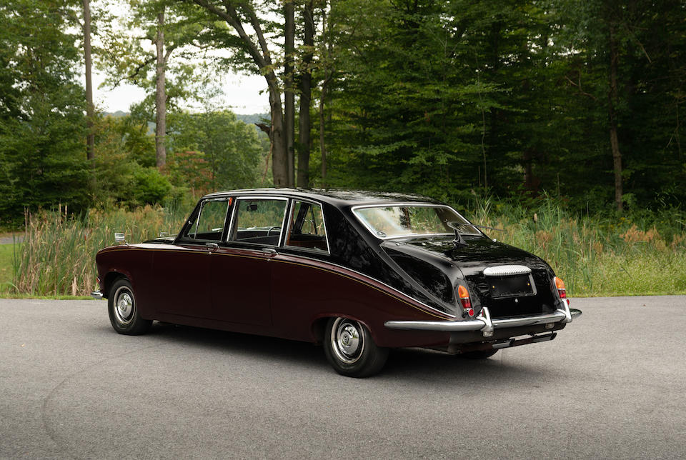 <b>1976 Daimler DS420 Limousine</b><br />Chassis no. 1M3303BW<br />Engine no. 7M3487L