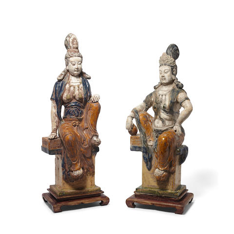Two glazed pottery figures of Guanyin Republic period (4)