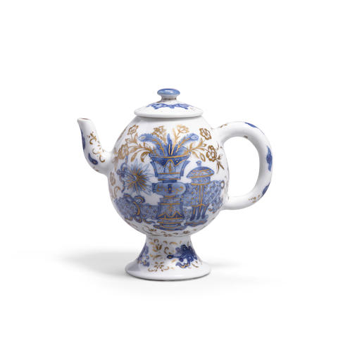 A blue and white and gilt decorated wine pot and cover Chenghua mark, Kangxi period (2)