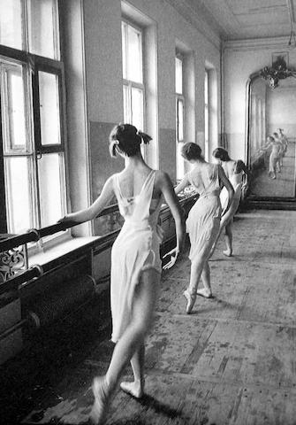Cornell  Capa (1918-2008); Bolshoi Ballet, Moscow;