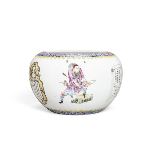 A famille rose enameled  globular vase with figure decoration Qianlong mark, Republic period