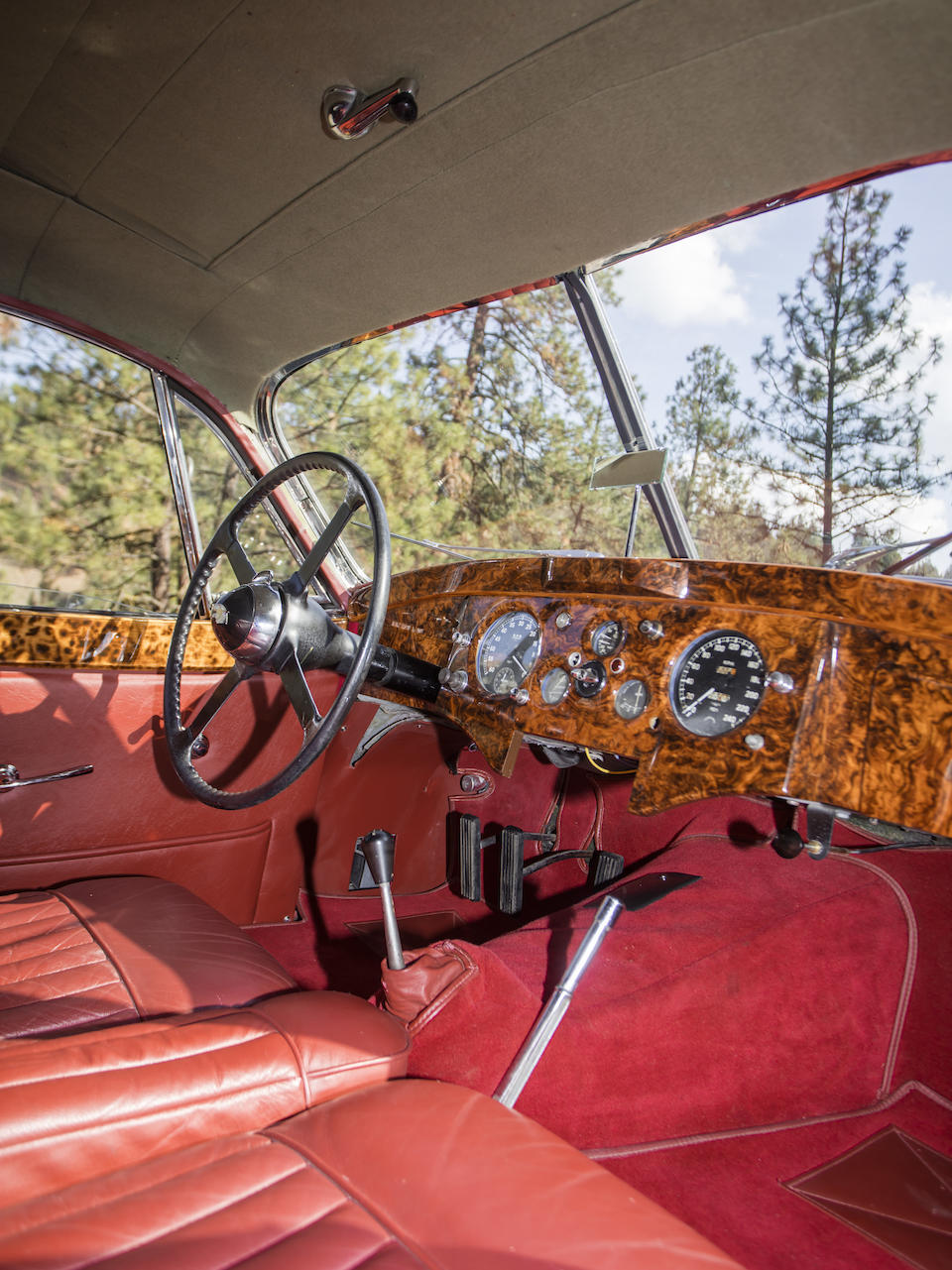 <b>1952 Jaguar XK120 Fixed Head Coupe</b><br />Chassis no. 679032