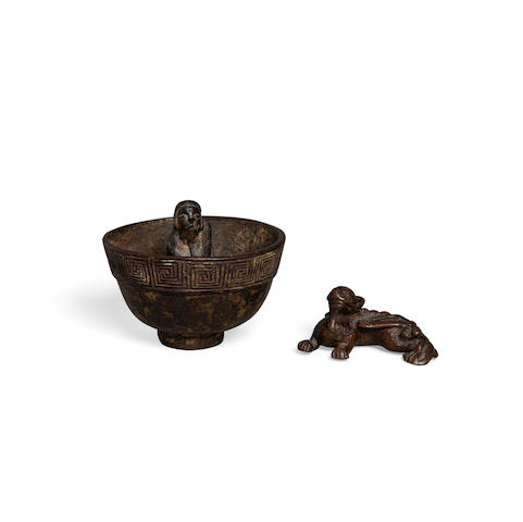 Two cast bronze objects 17th/18th century or later (2)