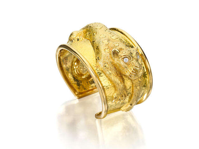 An 18k gold leopard cuff, David Webb