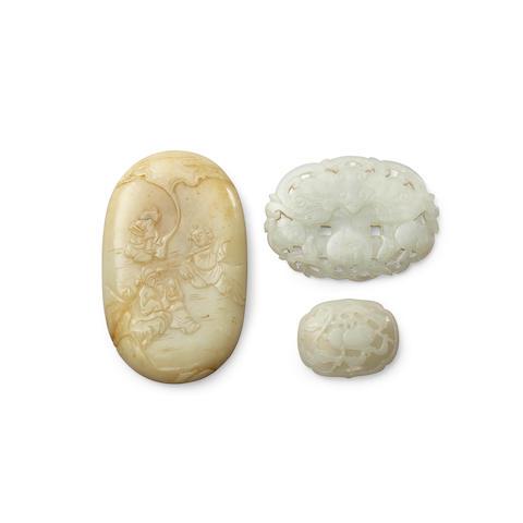 Three jade plaques Qing dynasty (3)