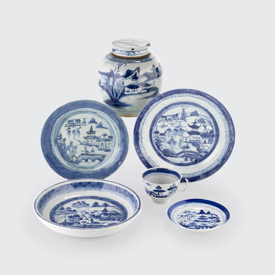 A group of twenty-one Canton blue and white export porcelains 19th century (21)