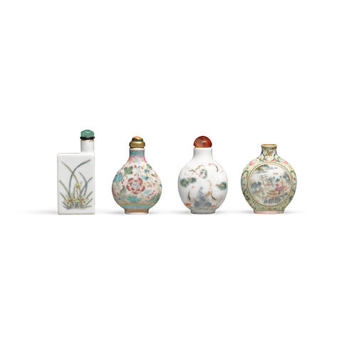 Four enameled porcelain snuff bottles  19th century (4)