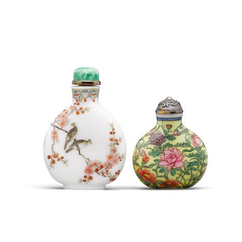 Two enameled white glass snuff bottles Qianlong marks (2)