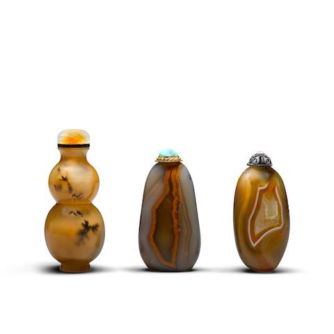 Three agate snuff bottles  (3)