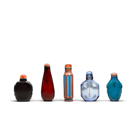 Five glass snuff bottles   18th/19th century (5)