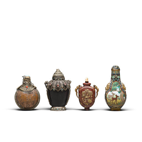 Four metal and metal-mounted snuff bottles 19th to early 20th century (4)