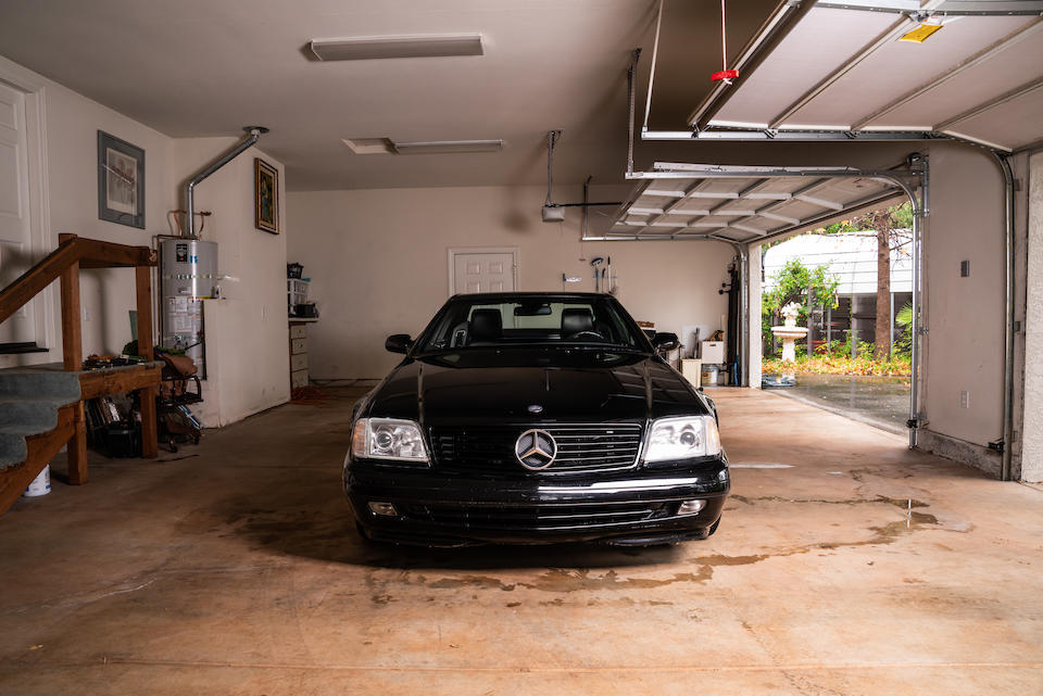 <b>2000 Mercedes-Benz SL600</b><br />VIN. WDBFA76F6YF189787