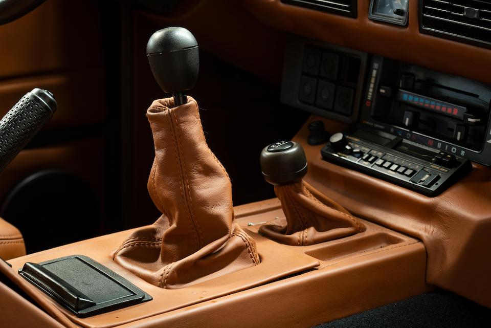 <b>1990 Range Rover Classic 2-Door Estate</b><br />VIN. SALLHABM8GA428022