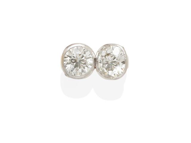 A 'toi et moi' diamond ring