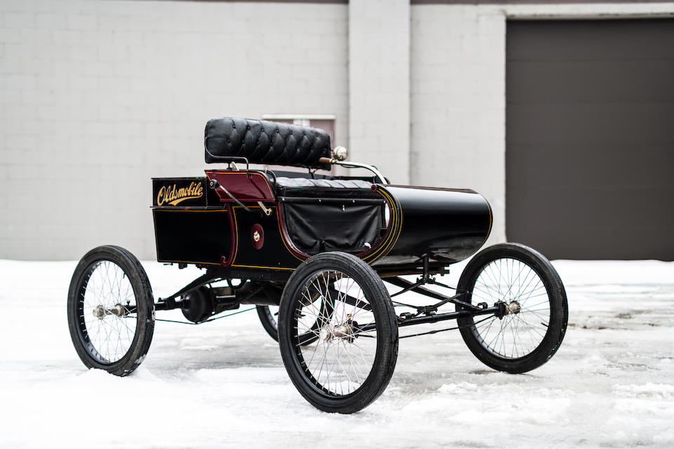 <b>1902 Oldsmobile Model R Curved Dash Runabout</b><br />Chassis no. 7883