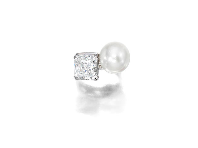 A diamond and cultured pearl 'toi et moi' ring