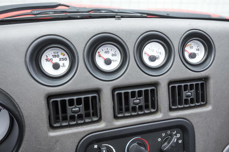 <b>1992 DODGE VIPER RT/10 ROADSTER</b><br /> VIN:1B3BR65E6NV100119