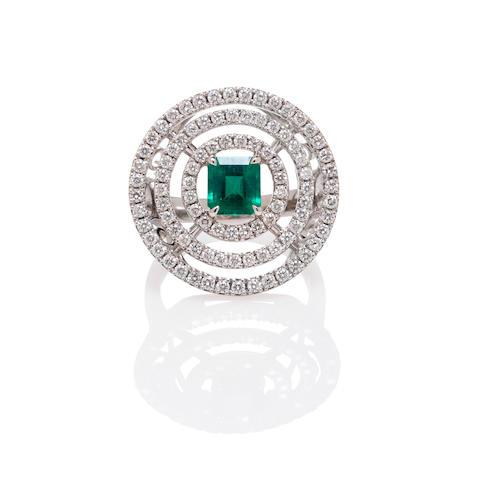 Graff: White Gold, Emerald and Diamond Ring