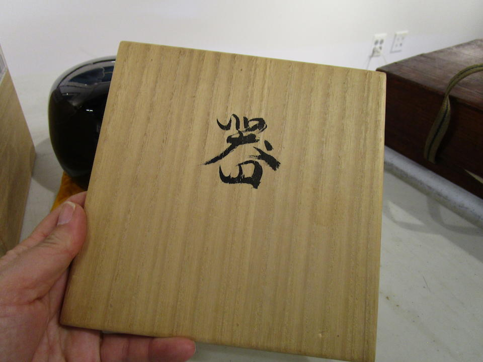 A lacquer box and cover Showa (1926-1989) or Heisei (1989-2019) era, 20th century