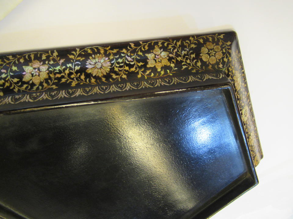 A Magnificent mother-of-pearl-inlaid black lacquer (bao Luodian) octagonal oblong tray  Ming Dynasty, 15th-16th Century