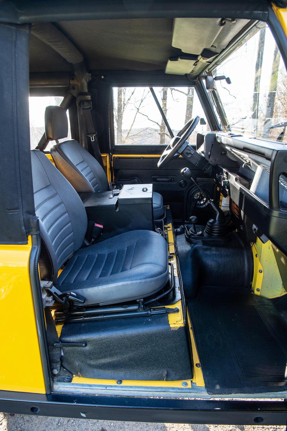 <b>1994 Land Rover Defender 90 NAS  </b><br />VIN. SALDV2285RA945303