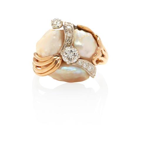 RUSER: 18K GOLD, PLATINUM, FRESHWATER PEARL AND DIAMOND RING