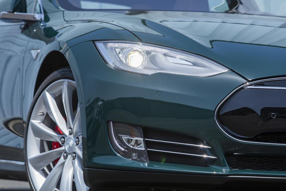 2015 Tesla Model S P85D<br />VIN. 5YJSA4H45FF095332